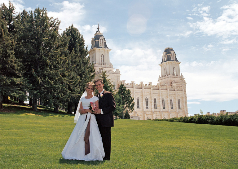 Manti Temple wedding